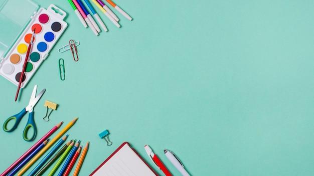 Torna al concetto di scuola con spazio di copia Foto Premium