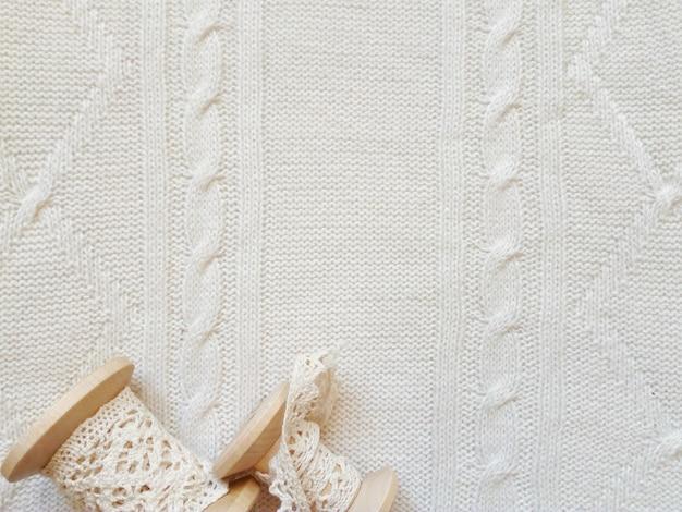 Bellissimo sfondo bianco maglia invernale Foto Premium