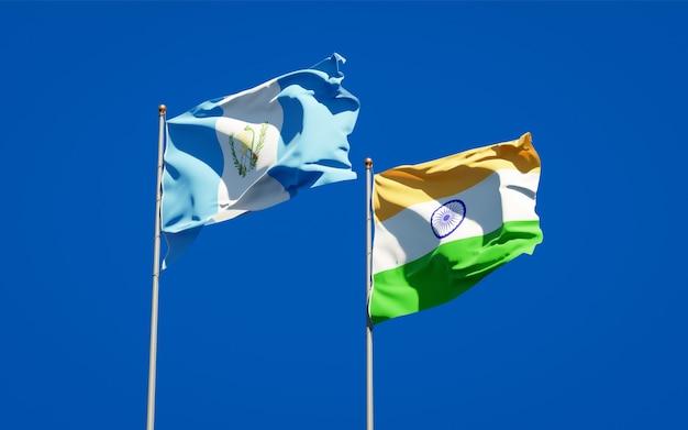 Belle bandiere nazionali dello stato del guatemala e dell'india insieme Foto Premium
