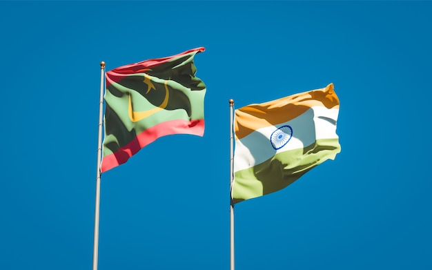 Belle bandiere nazionali dello stato della mauritania e dell'india insieme Foto Premium