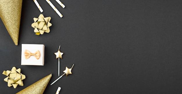 Decorazioni di compleanno cornice vista dall'alto Foto Premium