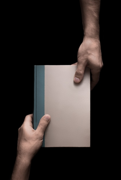 Prenota in mani maschili su sfondo nero 5 di 6 Foto Premium