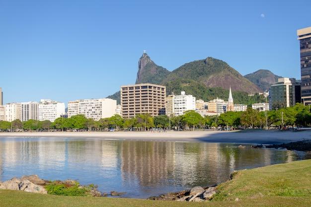 Baia di botafogo a rio de janeiro in brasile. Foto Premium