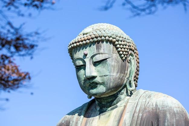 Statue di buddha a kamakura, giappone Foto Premium