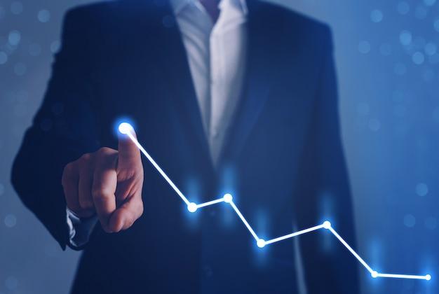 Sviluppo aziendale per il successo, profitto e piano di crescita in crescita. imprenditore dito puntato freccia grafico. Foto Premium