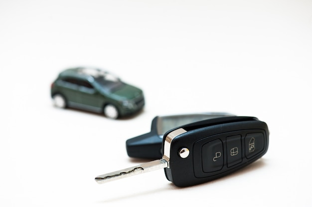 Chiave auto e macchina piccola Foto Premium