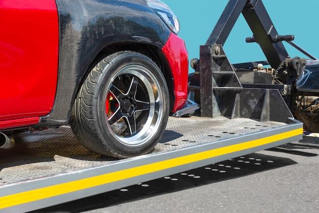Servizio di rimorchio auto soccorso stradale carro attrezzi Foto Premium