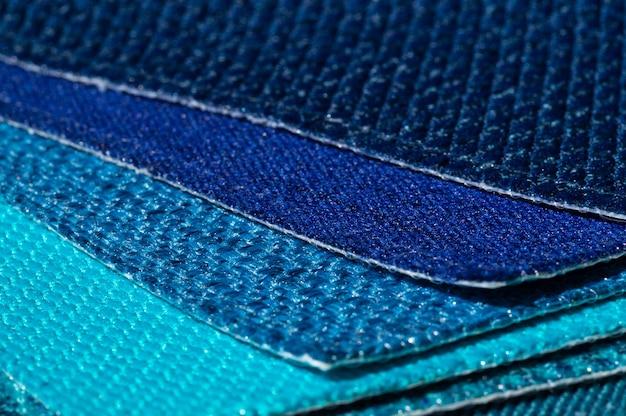 Catalogo di tessuti nei toni del blu turchese Foto Premium