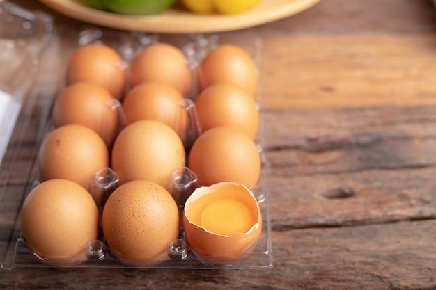 Le uova di gallina sono ricche di proteine di alta qualità Foto Premium