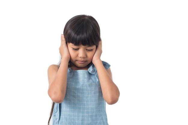 I bambini staccano le mani dall'orecchio Foto Premium