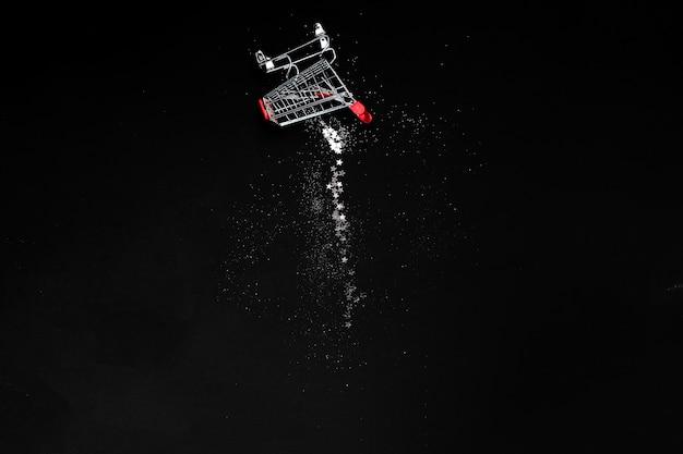 Concetto di natale e black friday. copyspace vista orizzontale superiore. sfondo di vendite festive Foto Premium