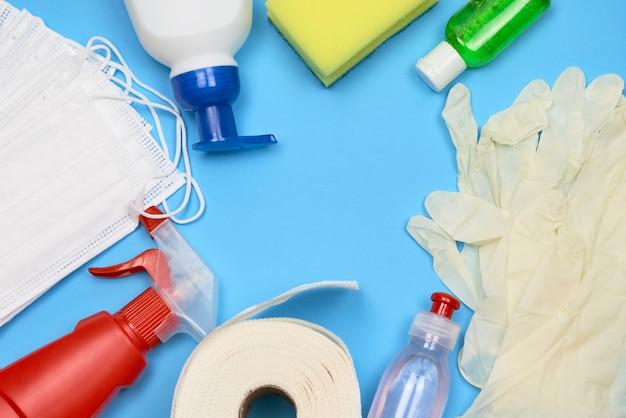 Fine della raccolta dei prodotti di pulizia in su Foto Premium