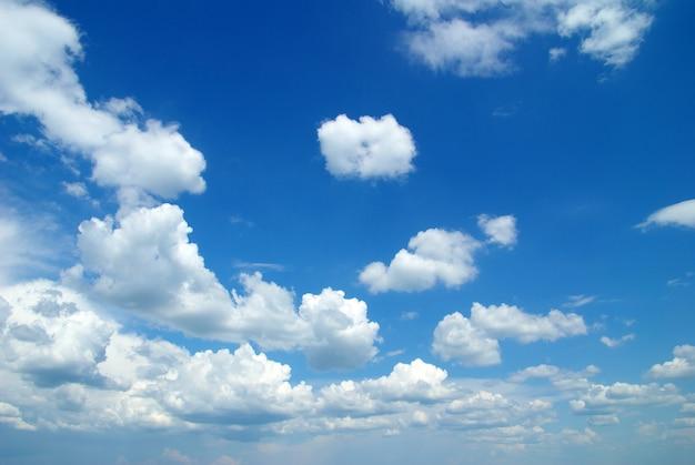 Nuvole con cielo blu Foto Premium