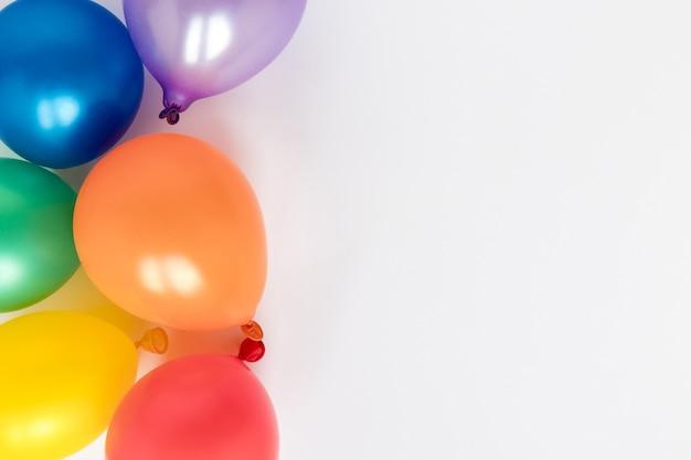 Palloncini colorati con copia-spazio Foto Premium