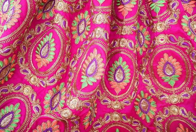 Ricamo in tessuto tessile indiano colorato Foto Premium