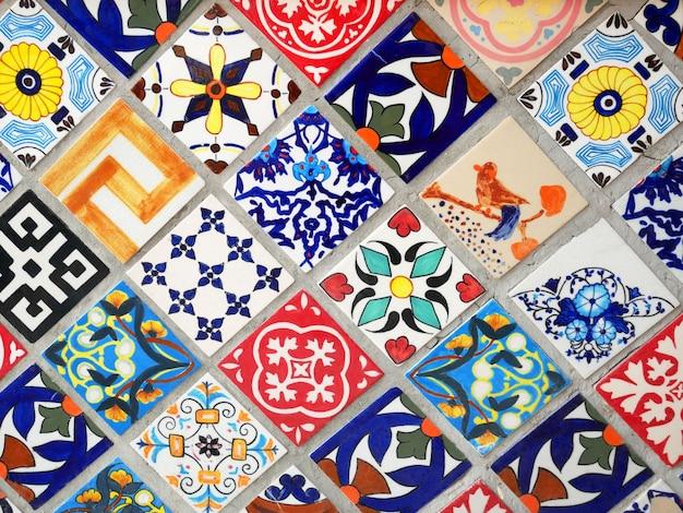 Colorato talavera messicano piastrelle di ceramica decorazione della parete sfondo texture. Foto Premium