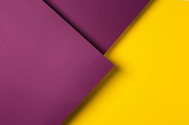 Composizione di fogli di carta colorata Foto Premium