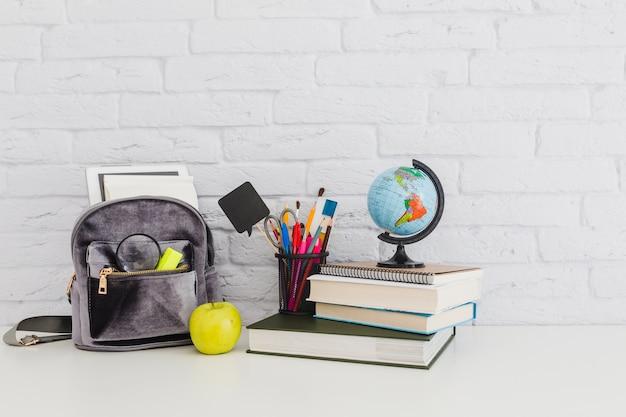 Composizione dei materiali scolastici Foto Premium