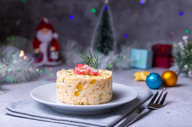 Insalata di granchio con mais e uova Foto Premium