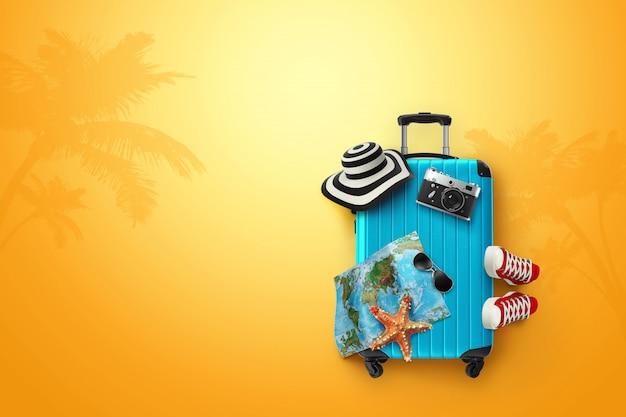 Sfondo creativo, valigia blu, scarpe da ginnastica, mappa su uno sfondo giallo Foto Premium