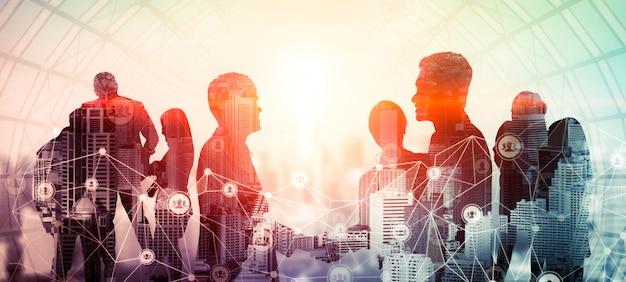 Immagine creativa di molte riunioni di gruppo conferenza persone d'affari Foto Premium