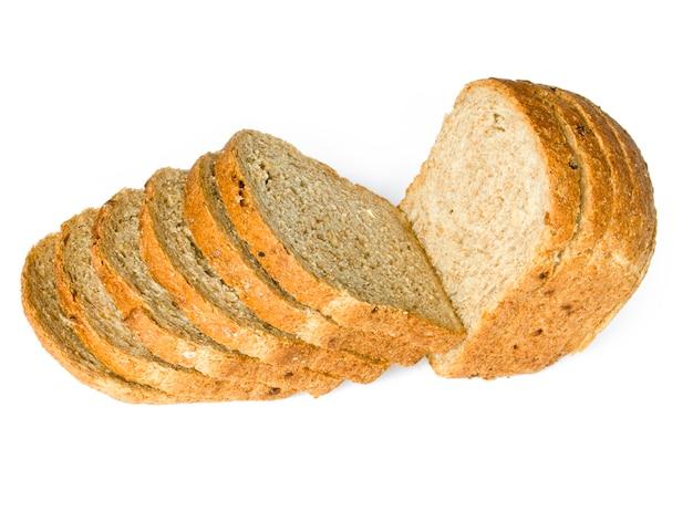 La pagnotta di pane tagliata isolata on white Foto Premium