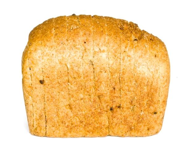 La pagnotta di pane tagliata con reflaction isolata on white Foto Premium