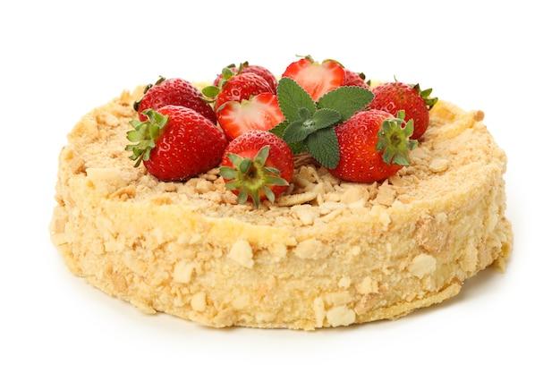 Deliziosa torta napoleone con fragole isolata on white Foto Premium
