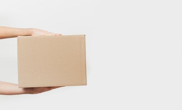 Scatola di consegna con copia-spazio Foto Premium