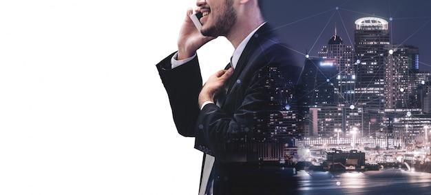 Immagine doppia esposizione della comunicazione d'impresa Foto Premium