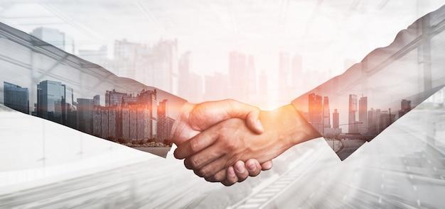 Immagine doppia esposizione di affari e finanza Foto Premium
