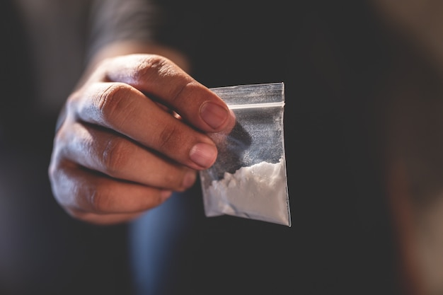 Spacciatore di droga che vende drogato Foto Premium