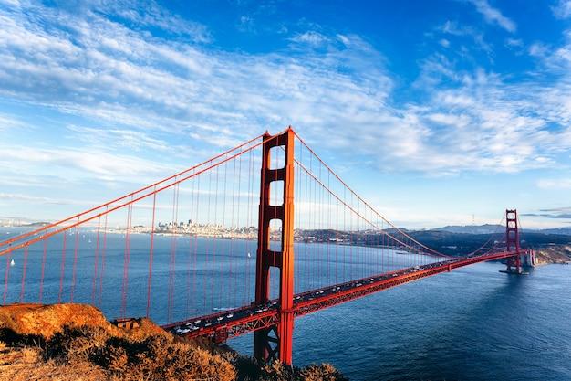 Famosa vista del golden gate bridge di san francisco, california, usa Foto Premium