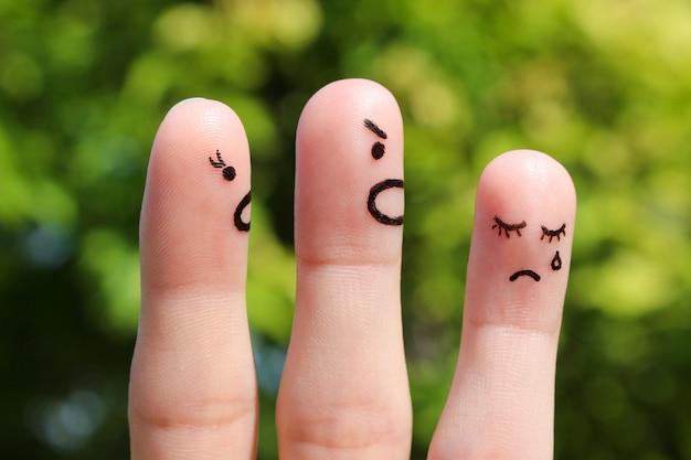 Arte del dito della famiglia durante il litigio. il concetto di genitori ha rimproverato sua figlia, stava piangendo. Foto Premium