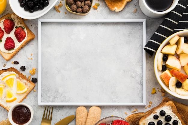 Disposizione piana del concetto della prima colazione con lo spazio della copia Foto Premium