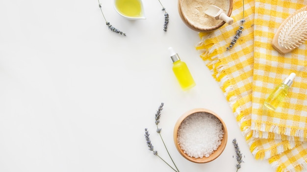 Prodotti per la cura della pelle agli agrumi piatti Foto Premium