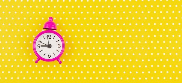Piatto con sveglia vintage Foto Premium