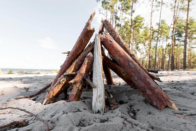 Vista frontale in legno per falò Foto Premium