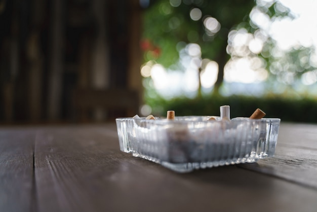 Vassoio di cenere per sigaretta Foto Premium