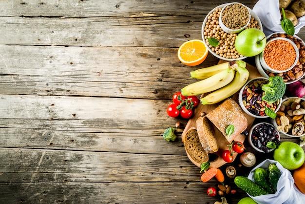 Buon cibo ricco di fibre di carboidrati Foto Premium