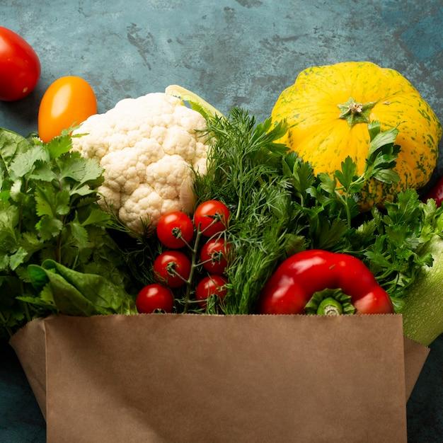 Borsa della spesa con verdure Foto Premium
