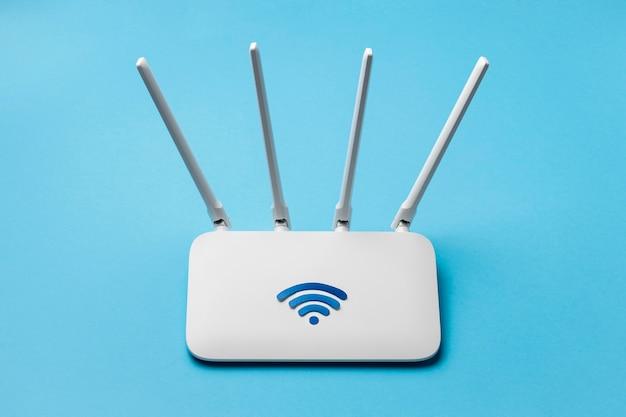 Elevato angolo del router wi-fi Foto Premium