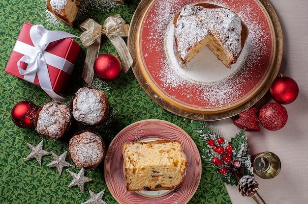 Panettone artigianale tradizionale dolce natalizio Foto Premium