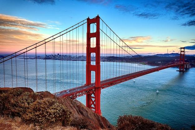 Vista orizzontale del golden gate bridge di san francisco, california, usa Foto Premium