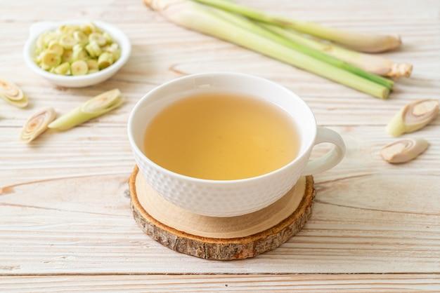 Tazza di succo di citronella caldo Foto Premium