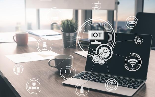 Internet delle cose e concetto di tecnologia della comunicazione. informazioni intelligenti e stile di vita digitale. Foto Premium