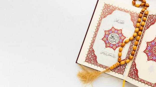 Concetto islamico del nuovo anno con lo spazio della copia Foto Premium