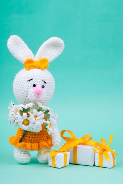 Piccoli conigli lavorati a mano Foto Premium