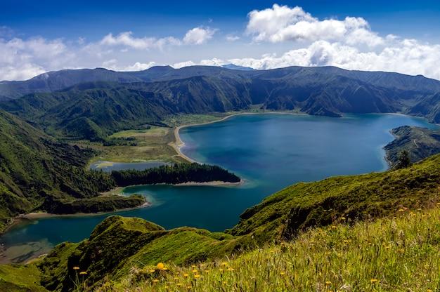 Vista di lagoa do fogo a sao miguel, azzorre, portogallo Foto Premium