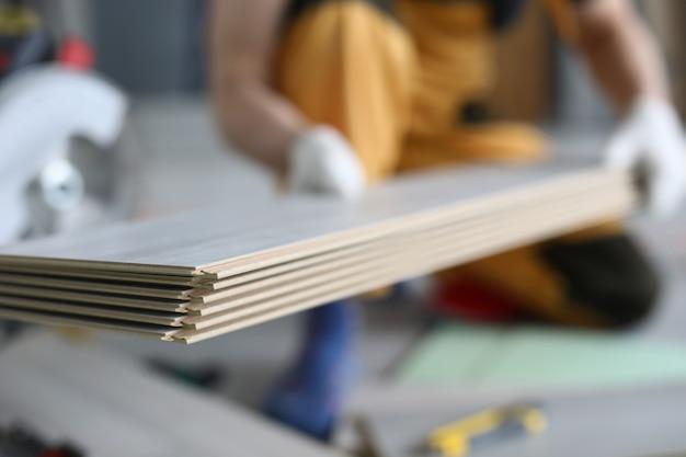 Pavimento laminato. concetto di pavimenti in laminato fai da te Foto Premium